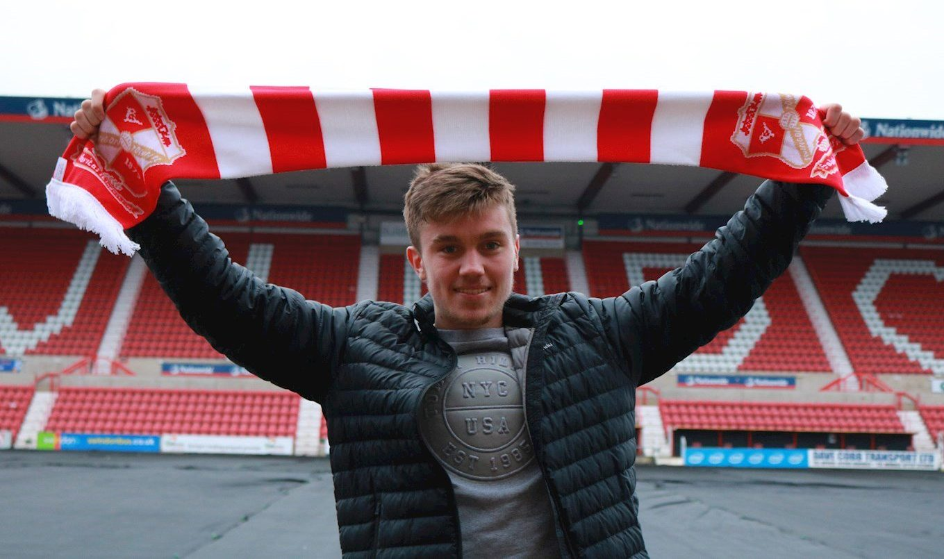 Cameron McGilp signs for Swindon Town